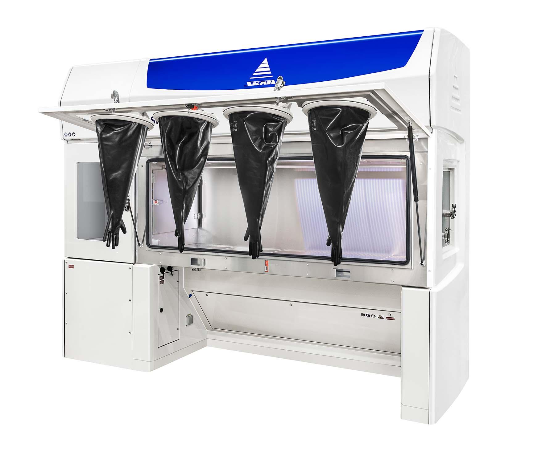 LaboratoryIsolator-SKANFOGPURE_open_gloves